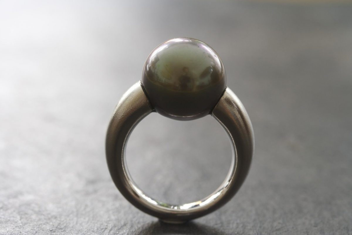 "Bague ""Ball"", or gris, perle de Tahiti"