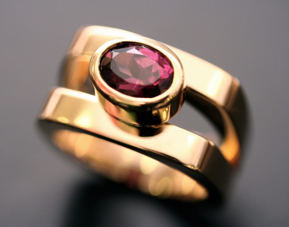 Bague Miam. Or jaune, tourmaline rose