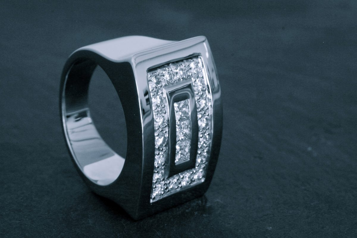 Bague Tetris. Or gris diamants